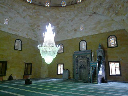 mečetė,maldos kambarys,maldos salė,vyras,sėdėti,melstis,Islamas,religija,kultūra,musulmonas,avanos,Turkija,mihrab,kanceliarija,liustra