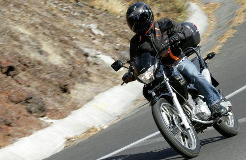 motociklas,kelias,moto,po atviru dangumi