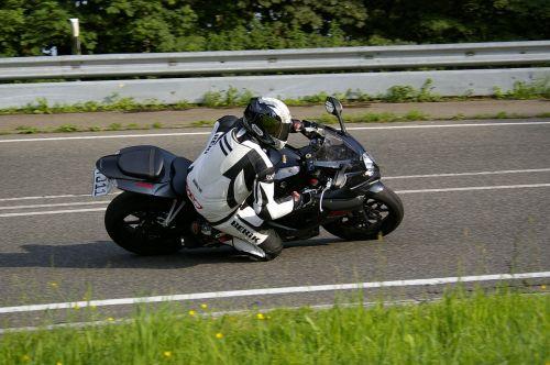 motociklas,kelio grind,Suzuki,kreivė,vyras,eifel,iš šono