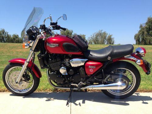 motociklas,motociklas,raudona,transporto priemonė,triumfas,legenda,2000
