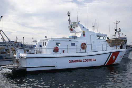 patrulis, gelbėjimas, tyrimai, imigrantai, baržos, pakrančių apsauga, kontrabanda, laivas, karinis jūrų laivynas, patrulinė valtis