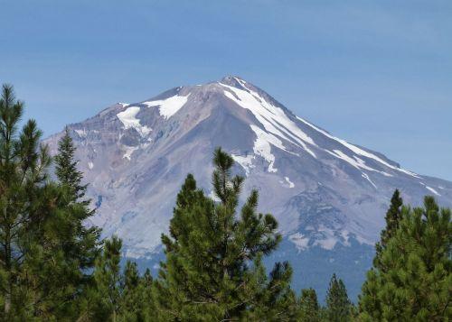 kalnas shasta,Siskiyou apskritis,Kalifornija,usa,puikus baseinas,klamath kalnų slėnis,vulkaninis,vulkanas,dykuma,šonai,kraštovaizdis,peizažas,vulkanizmas,vulkaninis kūgis