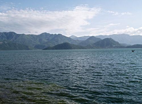 kalnas,jūra,kraštovaizdis,dangus,kalnų peizažas,gamtos kraštovaizdis,vasaros kraštovaizdis,turizmas,uolos,sala