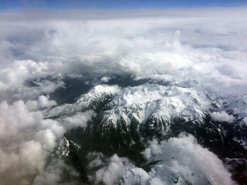 kalnas,dangus,debesys,kraštovaizdis,gamta,piko,nuotykis,lauke,Rokas,kelionė,uolos,viršuje,miškas,turizmas,atostogos,saulė