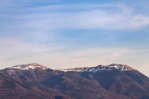 kalnas,debesys,dangus,kelionė,gamta,nuotykis,kelionė,sniegas,balta,žiema,kelionė,žygis