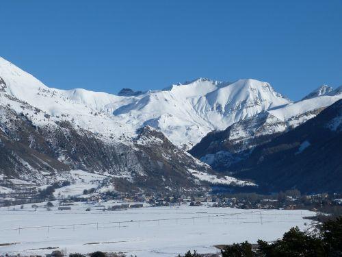 kalnas,snieguotas,slėnis,kaimas,Alpės,ramus,kraštovaizdis,gamta,žiema,hautes alpes,ancelle kaimas,kalnų kaimas