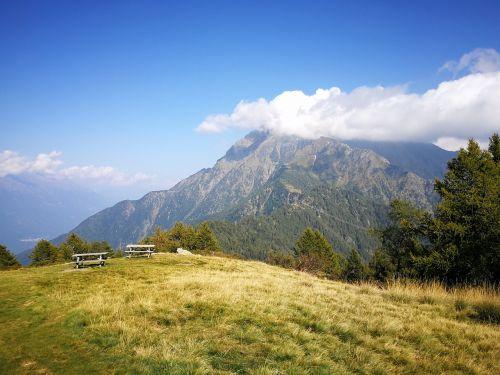 Kalnas, Monte Legnone, Pieva