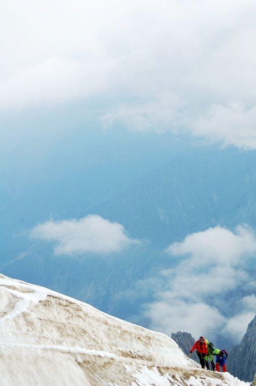 kalnas,alpinizmas,kraštovaizdis,eskalacija,Alpių,aukšti kalnai,alpinistas,ledas,dangus,balta,ledynas,taikus,vaizdas,žygiai,aukščiausiojo lygio susitikimas,piko
