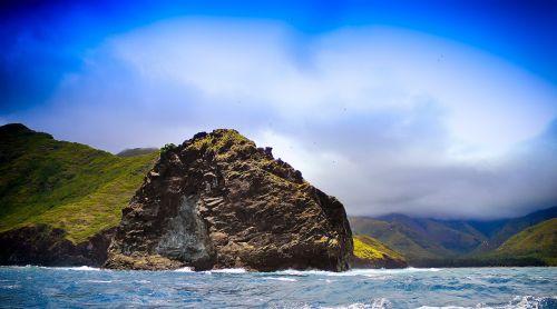 kalnas,kraštovaizdis,saulėtas,vasara,vasaros kraštovaizdis,turizmas,gamtos kraštovaizdis,nuotykis,lauke,kalnų peizažas,mėlynas,dangus,peizažas