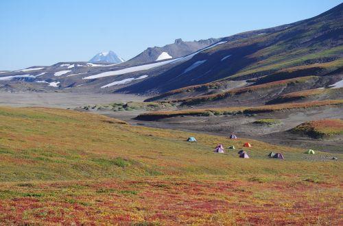 kalnų plynaukštė,tundra,vulkanas,kelionė,kraštovaizdis,gamta,aukštis,kalnai,sniegas,keliai,turizmas,palapinės,stovykla,kempingas,dnevka,atostogos