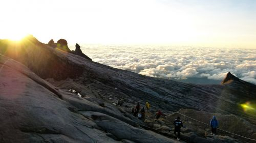 alpinizmas,alpinizmas,kalnai,aukštis,Alpių,kraštovaizdis,alpinizmas,žygiai,piko,Sportas,pasivaikščiojimas,nuotykis,rytas,saulėtekis,saulėlydis,dusk,aušra,twilight,dangus,debesys,gamta,Grunge,saulės šviesa,keliautojams,žmonės,smailės,uolos,kelionė,takas,šaltas,striukės