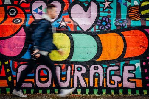 judėjimas,judėjimas,Persiųsti,tobulinimas,tempas,greitis,greitas,drąsos,gatvės menas,grafiti,spalva,motyvuoti,įkvėpti,stumti,skatinti,drąsos,drąsus,slankiklį,dienoraštis,interneto svetainės dizainas,dienoraščio įrašas,meilė,troškimas,aistra
