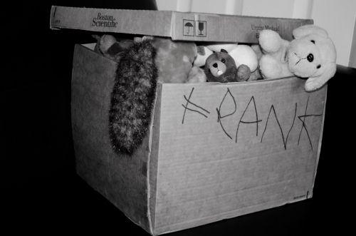 dėžė, kartonas, kartono dėžutė & nbsp, juda, liūdnas, juda & nbsp, dėžutė, paketas, atspindys, perkėlimas, perkėlimas & nbsp, žaislai, vaikai, pliušai & nbsp, žaislai, keisti, senas, naujas, pakavimas, juda