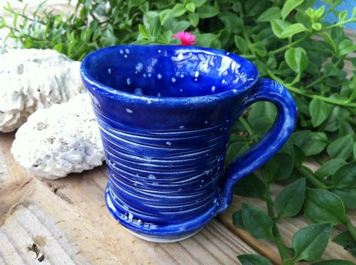 puodelis,kava,arbata,koralas,mėlynas,raižyti,keramika,keramika,keramikos gaminiai,keramika,molio medžiaga,trapi,taurė,glazūra,kobaltas