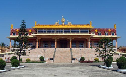 mundgod,mini tibetas,vienuolynas,Tibeto gyvenvietė,Karnataka,Indija,buda,auksas,šventykla,budizmas,religinis