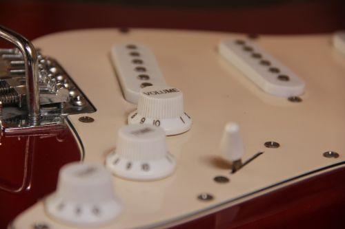 muzika,gitara,mygtukai,apimtis,tabletes