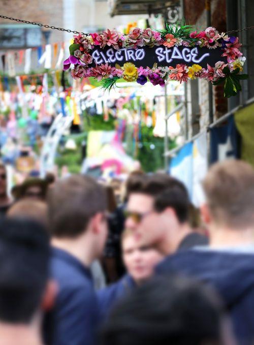 muzika,festivalis,vakarėlis,techno,elektra,pop,sommerfest,žmonių grupė,Sodo vakarėlis,koncertas,vasaros vakarėlis,hiphop,žmogus,grupė,muzikos festivalis,etapas,skydas,elektrinė šokių muzika,dj,elektrinis,šokis,šventė