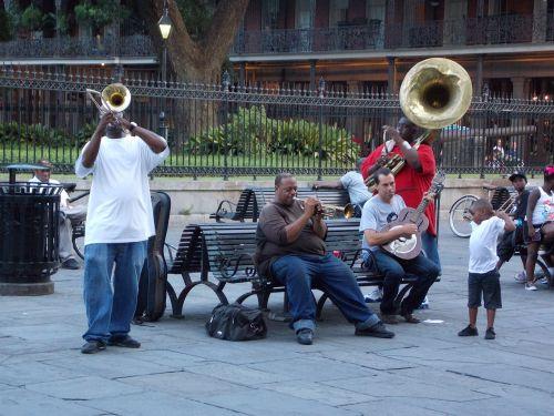 muzikantai,gatvės atlikėjai,afroamerikietis,Naujasis Orleanas