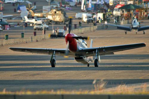 lėktuvas, persekiotojas, vintage, istorinis, Mustangas, Mustango taksiravimas