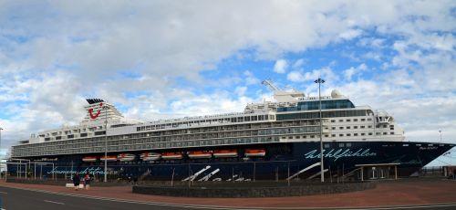 mano laivas,kruizas,keltas,uostas,vasara,laivo kelionė,laivas,keleivinis laivas,boot,tui,kruizinis laivas,šventė,atostogos,laivyba,dangus,jūra,vanduo
