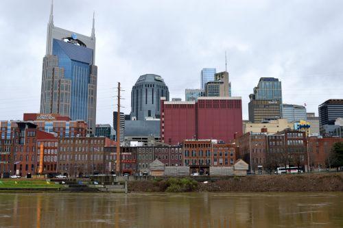 miestas, panorama, dangoraižis, upė, architektūra, miesto panorama, panoraminis, pastatas, centro, kranto, dangus, kelionė, atspindys, vanduo, miesto, turizmas, istorinis, Našvilis, Tennessee, muzika & nbsp, miestas, garsus & nbsp, vieta, kraštovaizdis, orientyras, scena, Našvilis, tennessee cityscape