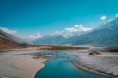 natūralus vanduo,kraštovaizdis,kalnų peizažas,aukšti kalnai,gražus,natūralus