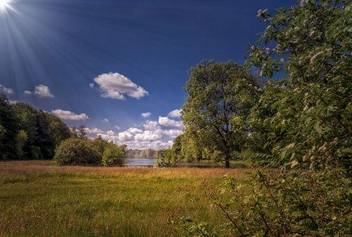 gamta,kraštovaizdis,ežeras,saulė,debesys,saulės šviesa,saulės spindulys
