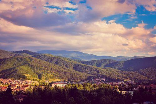 gamta,debesys,kraštovaizdis,gamtos kraštovaizdis,dangus,lauke,Natūralus grožis,kalnas,turizmas,grazus krastovaizdis,dangaus debesys,viršuje,mėlynas dangus,kalno viršūnė