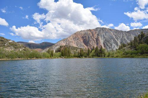 gamta,ežeras,dangus,debesis,vanduo,kraštovaizdis,mėlynas,lauke,vasara,scena,taikus,ramus,aplinka,natūralus,sezonas,atostogos,diena,kelionė