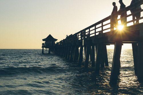 gamta,vanduo,vandenynas,jūra,purslų,dangus,horizontas,saulėlydis,saulėtekis,dusk,aušra,namelis,kelnės