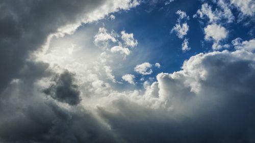 gamta,oras,dangus,cloudscape,lauke,Debesuota,debesuotumas,saulė,šviesa,debesys,griaustiniai lietus,blizgantis,saulės spindulys,saulės spinduliai,klimatas,saulės šviesa,saulėtas