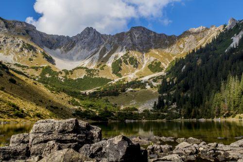 gamta,kalnas,kraštovaizdis,dangus,kelionė,Rokas,panorama,vandenys,kalnų viršūnių susitikimas,slėnis,vaizdingas,ežeras,panoraminis vaizdas,vasara,žygis,turizmas,žygiai,Bergsee,alm,lauke,daugiau,medžiai,laisvalaikis,miškas,šventė,žalias,aukščiausiojo lygio susitikimas,kalnai,naudos iš,tyrol,aukščiausia temperatūra,Tirolo Alpės,lipti,mėlynas,idilija,South Tyrol,poilsis,Alpių,austria