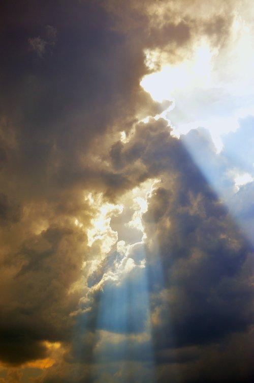 pobūdį, dangus, lauke, šviesos, niekas, debesis, dieną S, gyvas, akyse, saulės, lietaus debesis, žibintai