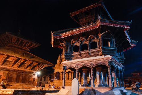 Nepalas,šventykla,naktis