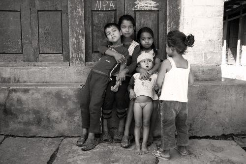 Nepalas, Vaikai, Draugystė
