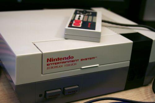 Nes,Nintendo pramogų sistema,Nintendo,konsolė,žaisti,kompiuterinis žaidimas,retro,elektronika,žaislai,valdytojas,Europa