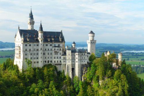 Neuschwanstein pilis,kristinas,fėjų pilis,Allgäu,pastatas,pritraukimas,pasakos karalius,karalius ludvigas,füssen,istoriškai,bavarija,patrauklus,karalius ludwigas 2,ežeras forggensee,miško ežeras,karalius ludwig antrasis,bavarijos karalius,Vokietija,pilis,romantiškas,architektūra,statybos menas