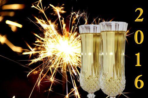 Naujųjų metų vakaras,Naujųjų metų diena,2016,fejerverkai,sparkleris,šampanas,akiniai,abut,švesti,atvirukas,metai,kibirkščių dušas,metų ruožas,metinės finansinės ataskaitos,radijas,vakarėlis,vidurnaktis,šviesa,nauji metai 2016,žemėlapis,kvietimas,žvaigždžių poveikis,išvakarės,purkšti,auksinis,auksas,žibintai,grynai švęsti,Naujieji metai