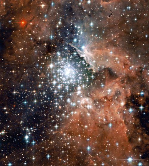 ngc 3603,tūslė,erdvė,žvaigždės,žvaigždžių grupė,žvaigždynas,astronominis objektas,dulkės,dujos,žvaigždžių formavimas,emisijos ūkas,visata,astronautika,NASA,kosmoso kelionės,astronomija,mokslas