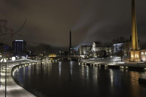 naktis,tamsus miestas,tamsus dangus,žiema,vanduo,suomių,Tamperė,miestas,gamykla,dangus,naktį mieste