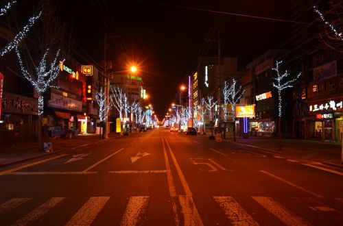 naktinis peizažas,naktinis gyvenimas,naktis Korėjoje,kelias,naktinis vaizdas