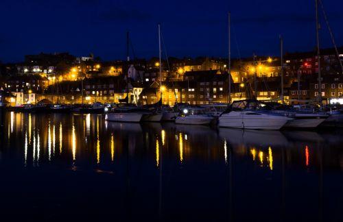 Whitby, uostas, apmąstymai, valtys, naktis, nakties apmąstymai ii