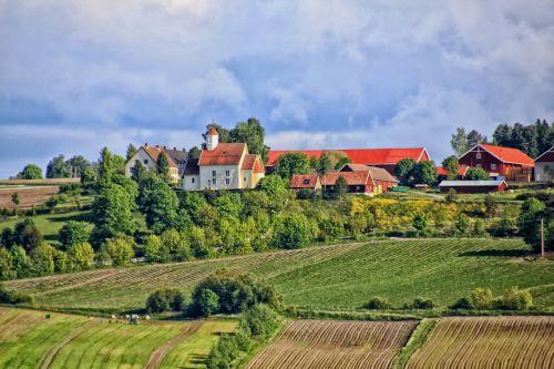 Norvegija,kraštovaizdis,vaizdingas,ūkis,kaimas,kaimas,laukai,žemės ūkio paskirties žemė,dangus,debesys,kalnas,gamta,lauke,kaimas,Šalis,hdr