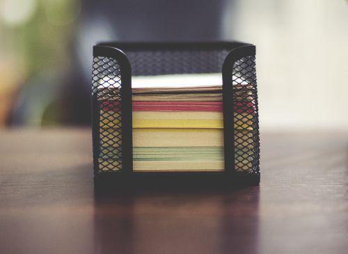 Pastabos,krūva,biuras,darbo vieta,stalas,popierius,verslas,turėtojas,krūva,krūva