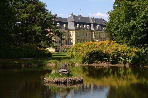 oberlausitz,Vokietija,pilis,pastatas,istorinis,orientyras,architektūra,dangus,debesys,medžiai,tiltas,augalas,vanduo,srautas,tvenkinys,apmąstymai