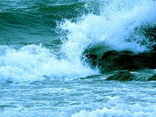 vandenynas, vandenynai, jūra, juros, Rokas, akmenys, papludimys, paplūdimiai, banga, bangos, naršyti, vanduo, šventė, atostogos, atostogos, atostogos, atostogauti, vasara, pajūris, Krantas, vandenynų bangos nusidriekia akmenimis
