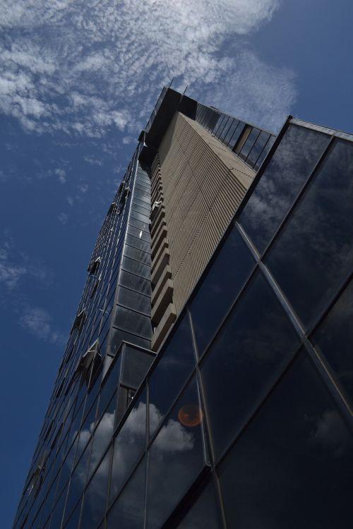 biuro bokštas,Valensija,venezuela,camoruco,stiklas,diena,miesto,architektūra,miestai,miestas,saulėta diena,mėlynas dangus