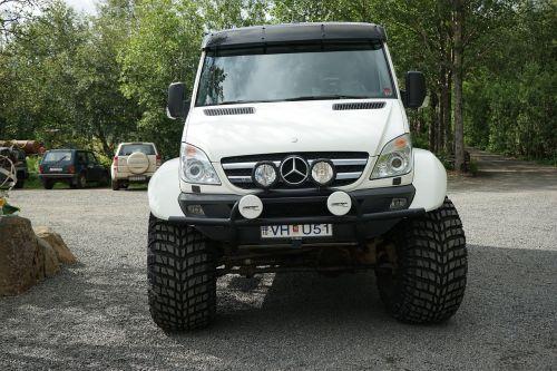 be automobilio,Jeep,Visais ratais varoma,visureigė,subrendęs,stiprus,offroad,automatinis,reljefas,priekinis