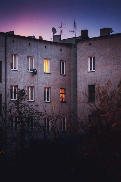 senas,Būstas,namas,pastatas,langai,naktis,miestas,vintage,lodz,Lenkija,Lenkija