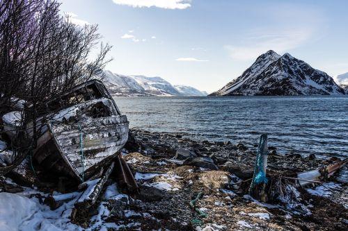 senoji valtis,kranto linija,fjordas,vanduo,kalnas,Šiaurės Norvegija,pobūdis,jūra,Norvegija,kraštovaizdis
